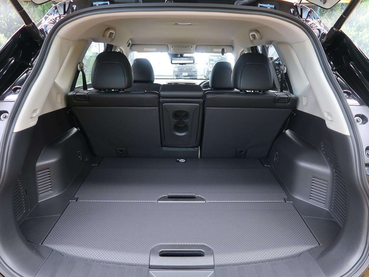 アウトドアで活躍するSUV、日産 エクストレイルの魅力とは?   SUV LAND